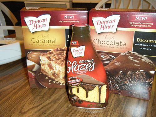 Duncan Hines Decadent Cakes & Glaze Review