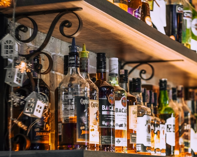 Great Reasons To Put Together a Home Bar and How To Do It on the Cheap