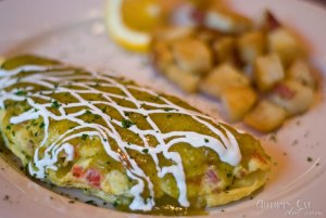 Over Easy Café: Nueva Mexicana Omelet