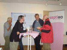 Rege Diskussion mit dem Referenten. Links im Bild Gebhard Burger, der sich im Montafon für den Erhalt der Auwälder einsetzt (Foto: Montafoner Museen).