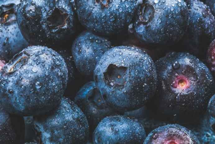 13 Best Anti-Aging Foods For Youthful Skin