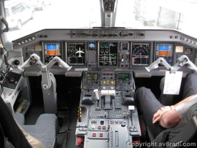Flight Deck of the Embraer 190