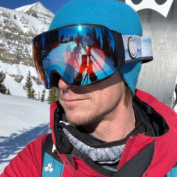 Avalon7 Astra Magnetic snowboard and ski goggles for winter with Teton design straps