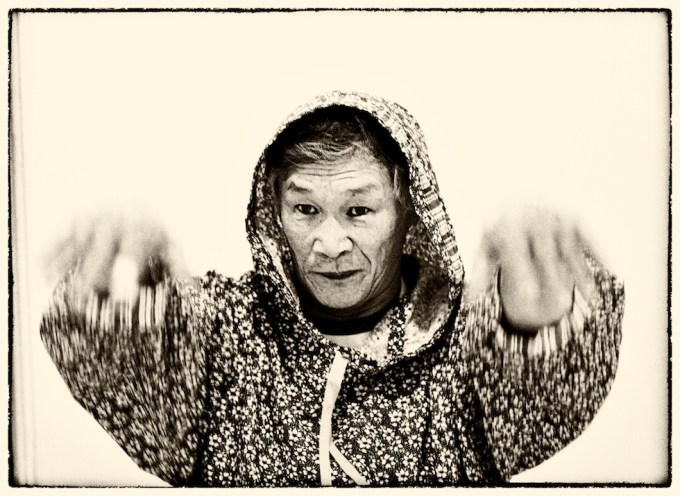 Valery Vykvyragtyrgyrgyn, the great carver of Chukotka. Photo © 2013 Galya Morrell