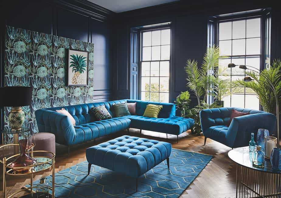 Dark and Glam Feeling in Teal Area