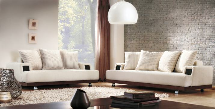 Simple Living Room Arrangement