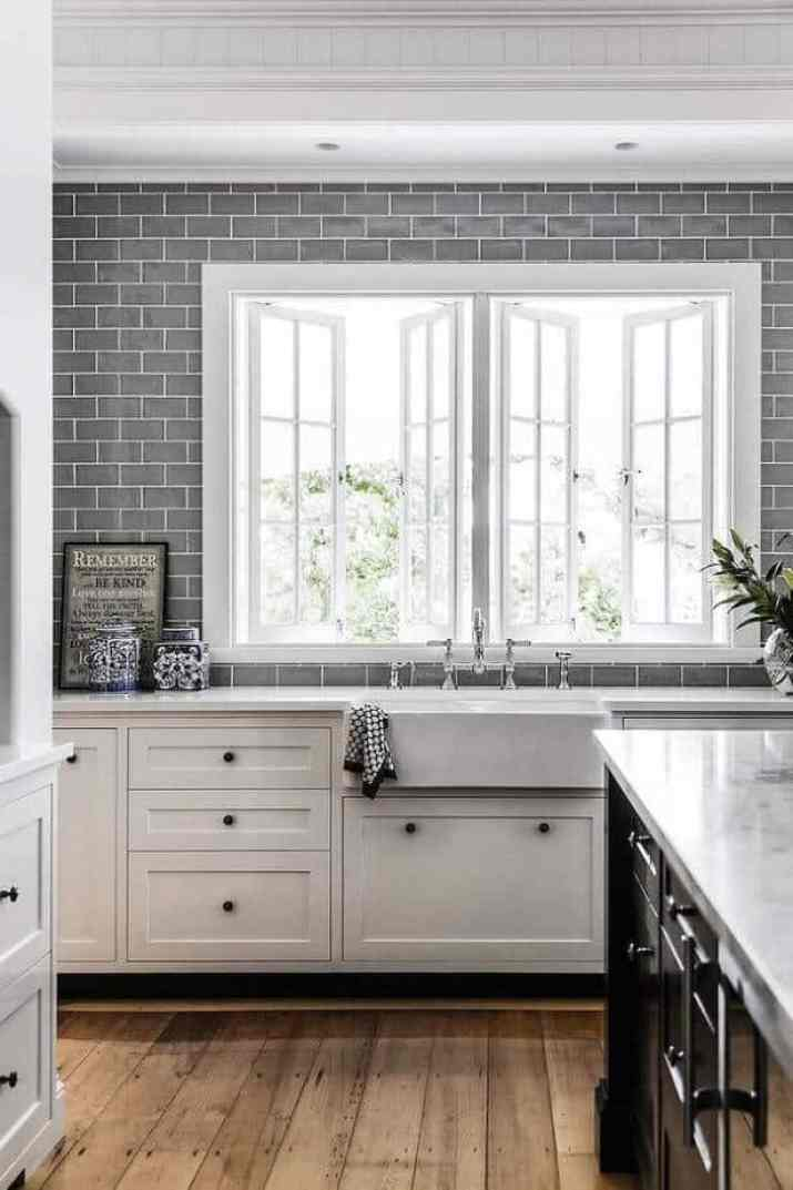 Cozy Galley Kitchen Backsplash