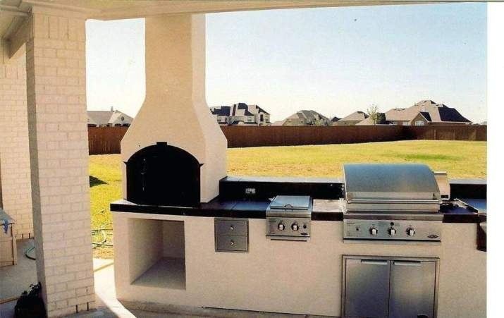 Top Country Outdoor Kitchen