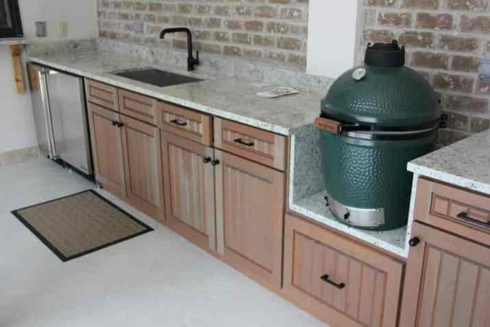 Plain Outdoor Kitchen Deck