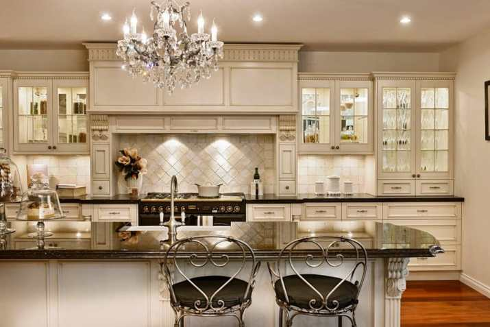 Alluring French Country Kitchen