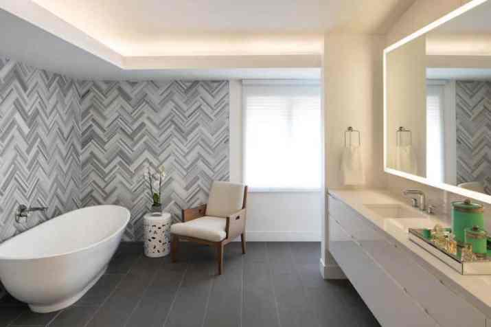 Grey Bathroom with Neutral Nuance
