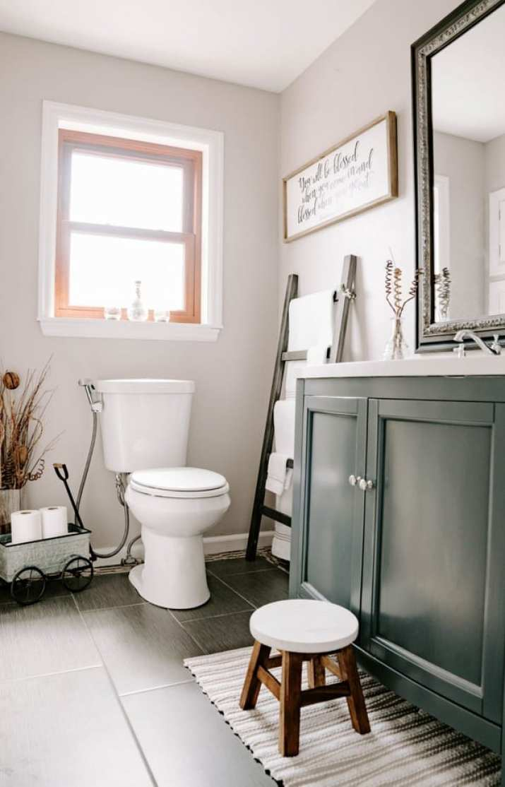 Farmhouse Grey Bathroom