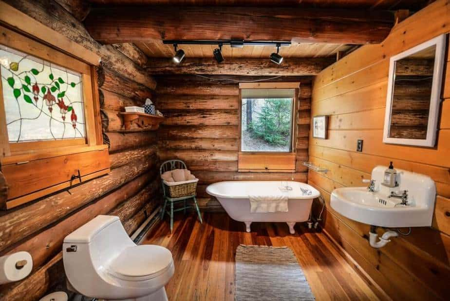 Creative Earth Tone Bathroom