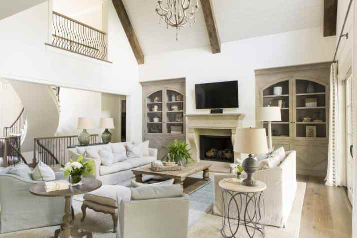 Farmhouse Vaulted Ceiling Ideas with chandelier