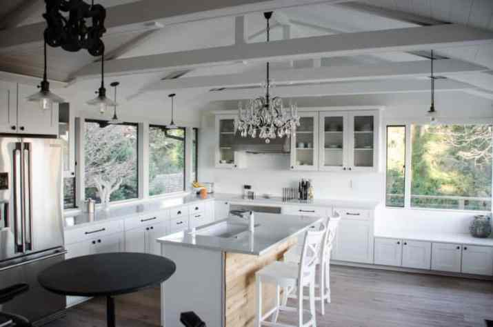 white Small Vaulted Ceiling Ideas