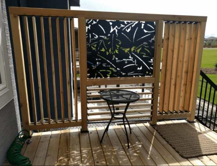 Louvered Privacy Screen