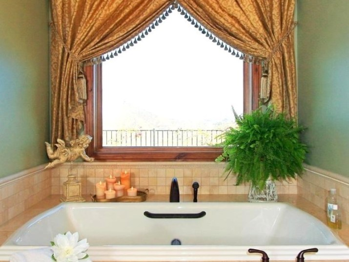 Bathroom Curtain Ideas to Live up Your Private Room 13