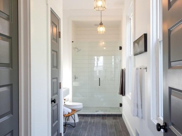 15 White Bathroom Ideas 2020 (Simple yet Elegant) 12