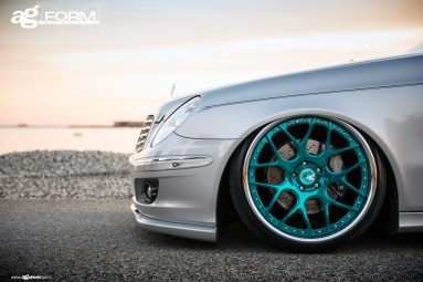 f410-mirror-turquoise-mercedes-e350-wheel