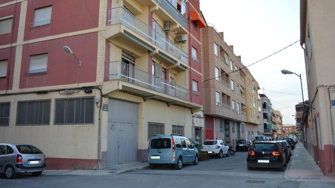 Piso en Villena...esquinazo en la Calle Celada.
