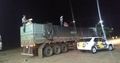 caminhão interceptado pela polícia
