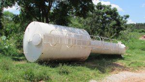 reservatório de água caido