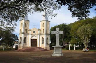 """""""Menores consomem bebida alcoólica no Largo Santa Cruz"""", diz vereadora"""