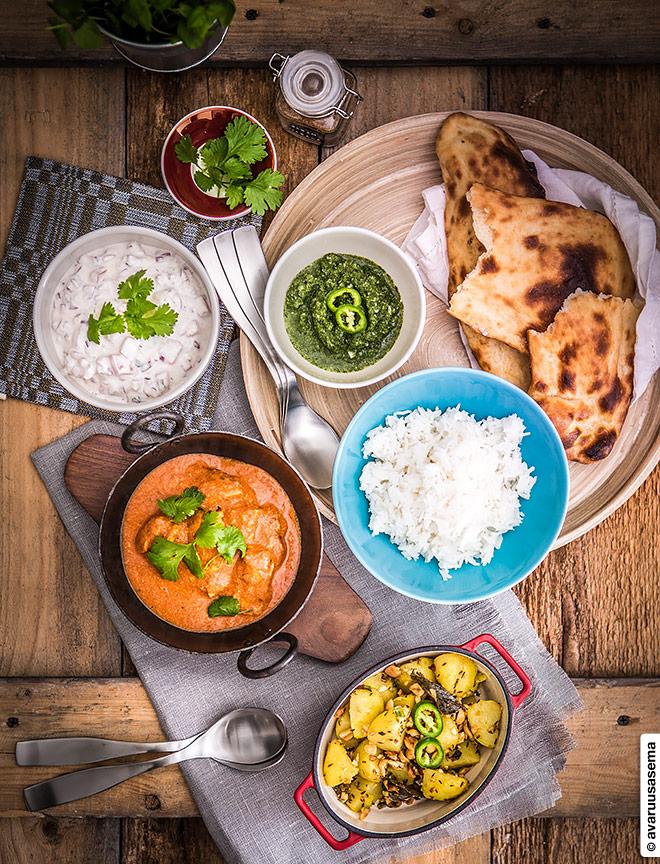 Intialainen juhlapöytä, © avaruusasema.com