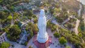 Vẻ đẹp chùa Linh Ứng Sơn Trà nhìn từ trên cao