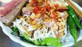 Món ngon Đà Nẵng: Bún thịt nướng, Bún mắm