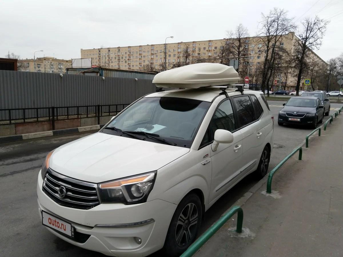 Купить б/у SsangYong Stavic 2013-2020 2.0d AT (149 л.с.) 4WD дизель автомат в Москве: белый Ссанъён ...