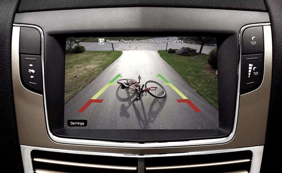 Modern gadgets: rear view camera or parking sensors? Luxury or need?