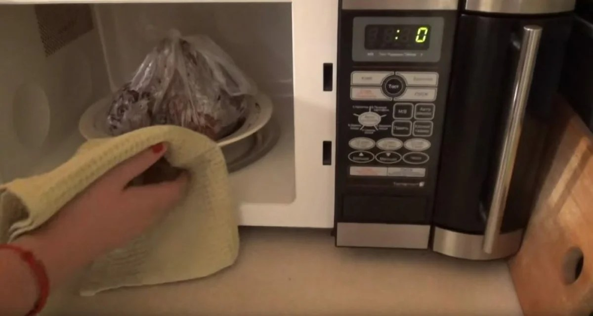 How to cook beets in the microwave in 5 minutes: quick and tasty