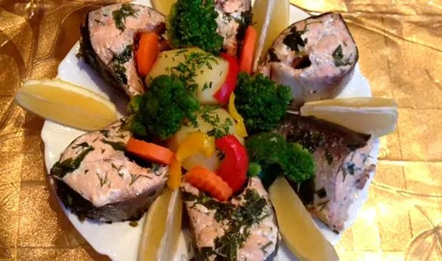 Juicy pink salmon in the oven - 8 simple and delicious baked fish recipes