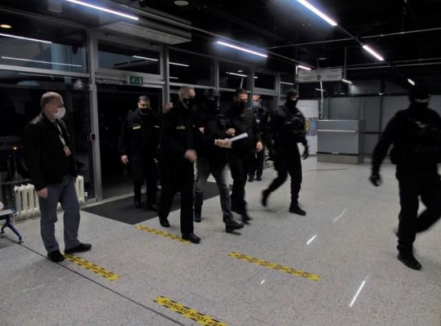 Jake policijske snage pratile Eleza