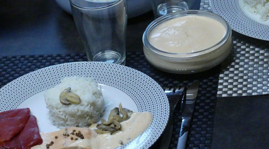 filet de truite riz champignons et émulsion aux poivrons