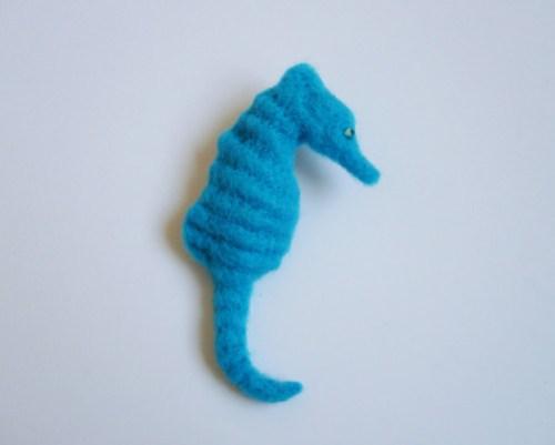 hippocampe-broche.jpg
