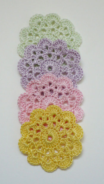 mini napperons crochet pastel