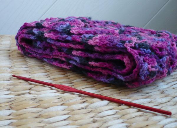 écharpe deux pelotes crochet 3