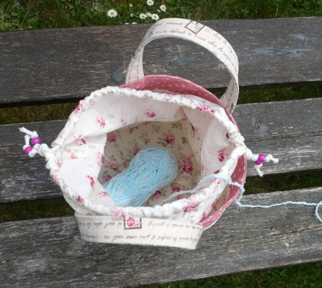 pochon dérouleur pelote tricot crochet