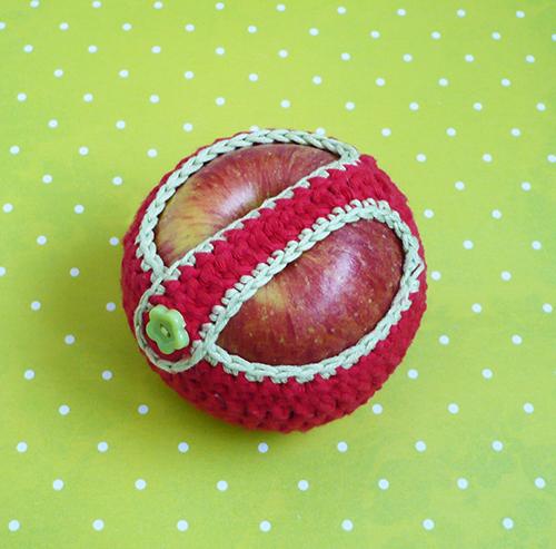 étui pomme crocheté