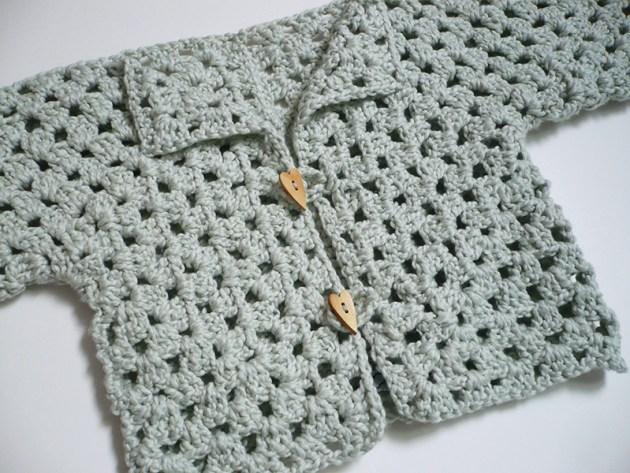 shrug bébé crochet 3 pelotes et demi crochet 4