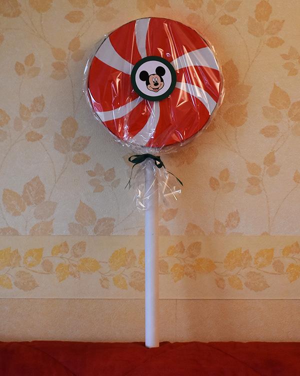 sucette-en-carton-geante-decoration-noel