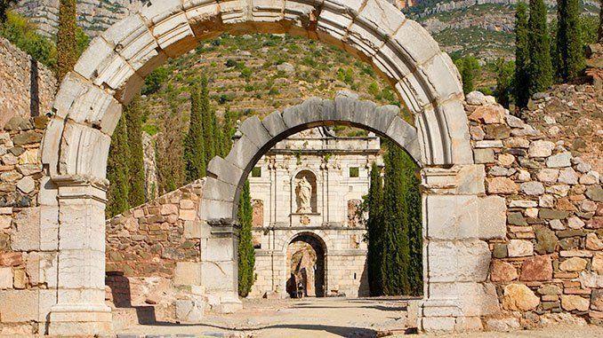 10 cosas imprescindibles que ver y hacer en el Priorat: Cartuja de Escaladei