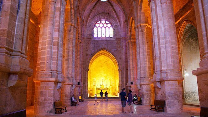 La iglesia abacial de Fontfroide
