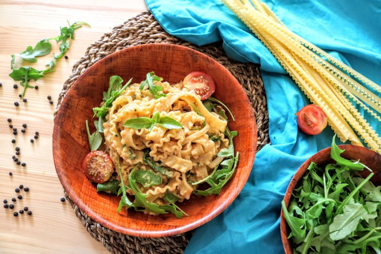 Creamy Courgette and Rocket Pasta in a serving bowl