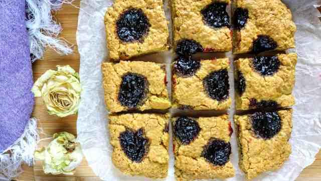 baked soft shortcrust jam cake vegan