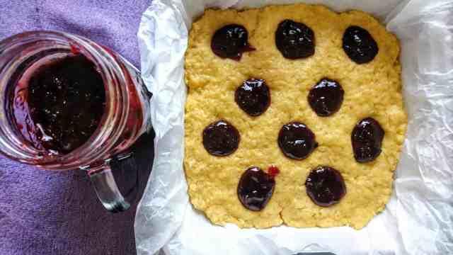 pre-baking soft shortcrust jam cake vegan