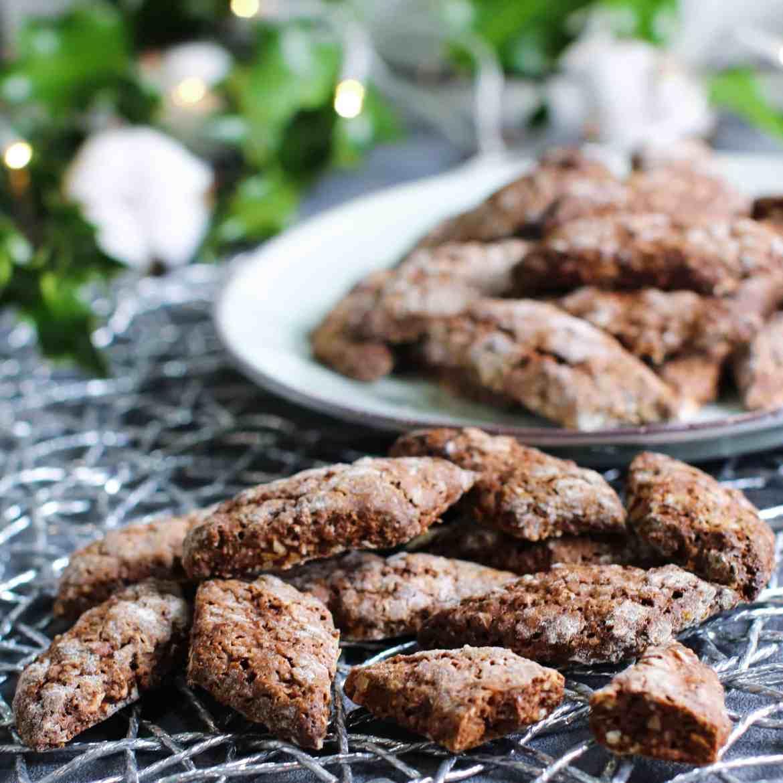 Castagnelle: Tipici Biscotti Natalizi Pugliesi
