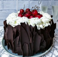 Vegan chocolate Gateau